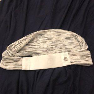 Lululemon headband in white/grey